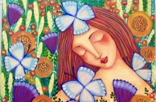 Mujer feliz con flores