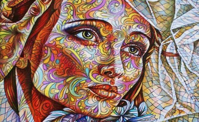 rostro mujer con dibujos