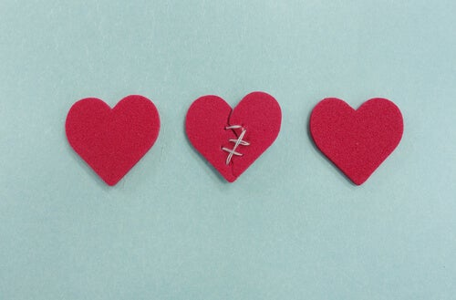 Tres corazones uno roto