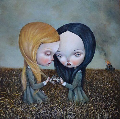 Hermanas tristes y solas en el campo
