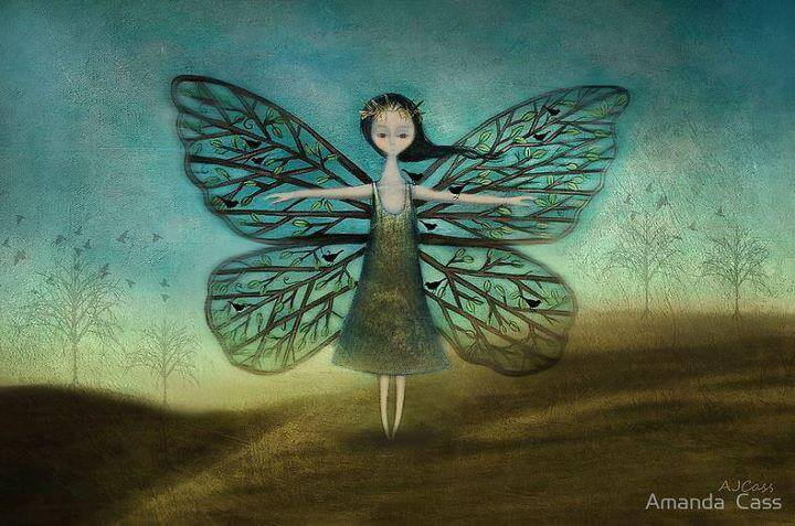 Mujer con alas de mariposa
