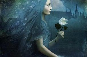Mujer con rosa azul