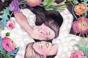 Amigas sonriendo rodeadas de flores