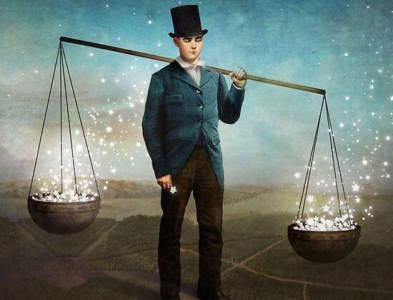 hombre con balanza