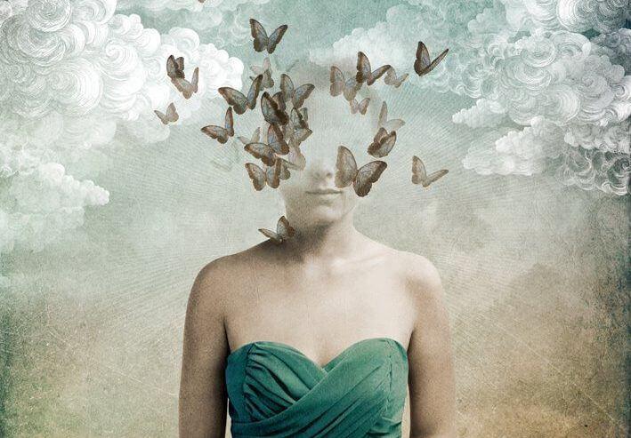 ===La Mente... Mujer-con-cabeza-desvanecida-en-p%C3%A1jaros