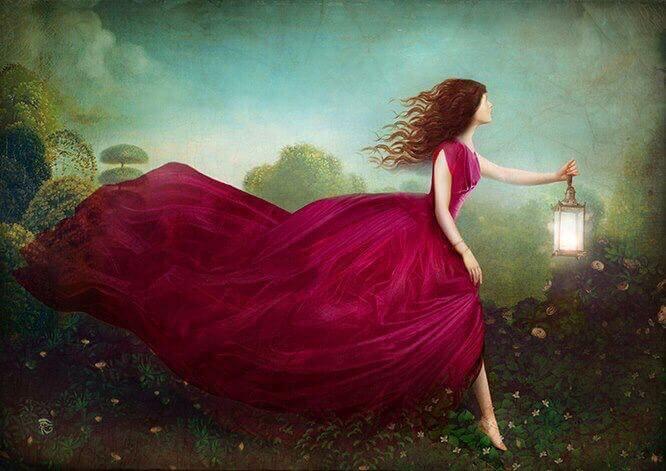 Mujer con lámpara encendida