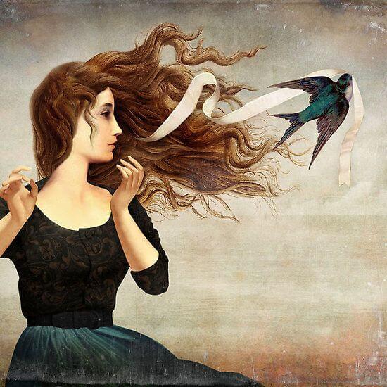 mujer pediendo el lazo del cabello