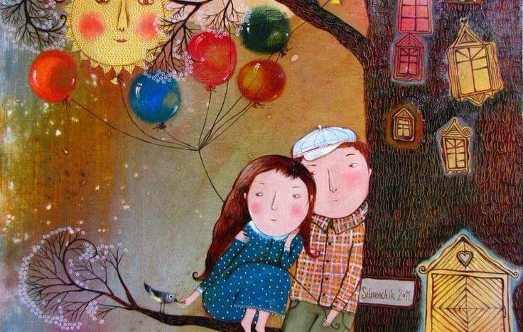 pareja sentada en un árbol