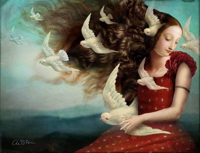 Mujer con palomas alrededor