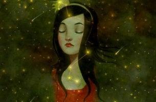 Chica pensando con los ojos cerrados