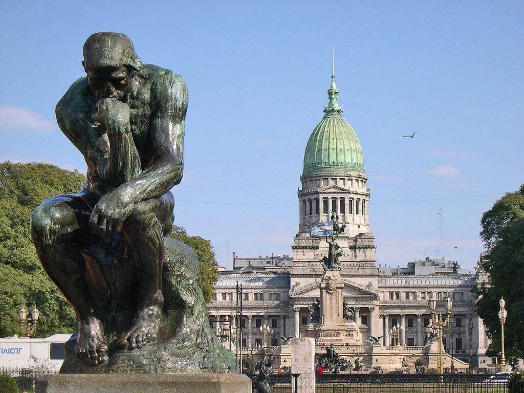 Estatua del pensador