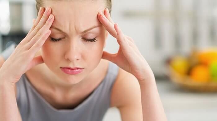 Mujer con estrés prolongado