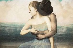 hombre abrazando a mujer