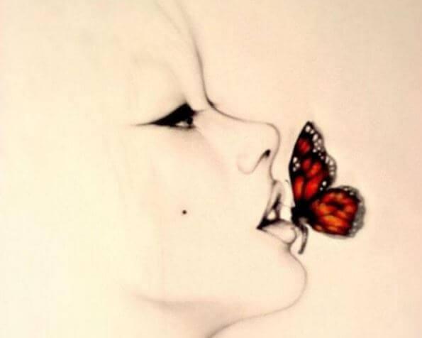 Mariposa en la boca