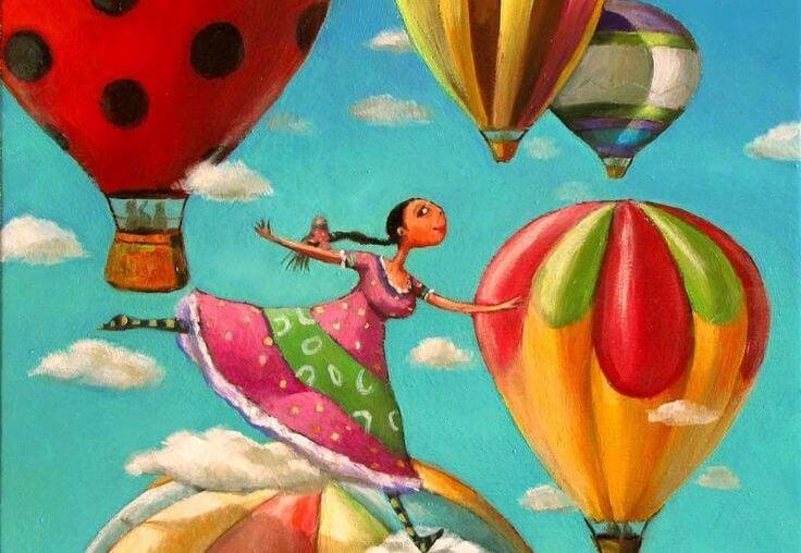 mujer con globos actitud positiva
