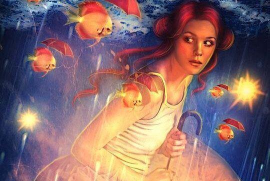 mujer con peces feliz por evitar las criticas