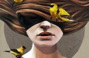 Mujer con pájaros en el pelo