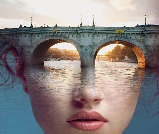 mujer rostro puente