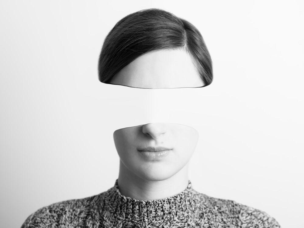 Mujer sin mirada