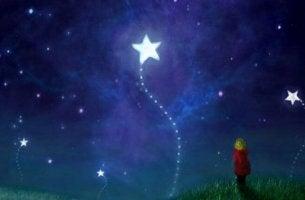 niño mirando estrellas motivado según pedagogía maría montessori