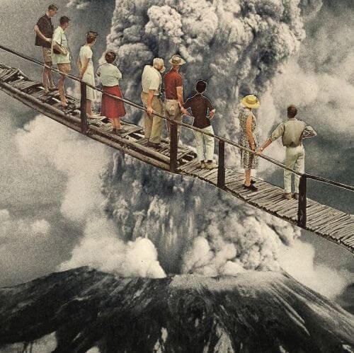 HISTORIA personas frente a un volcán