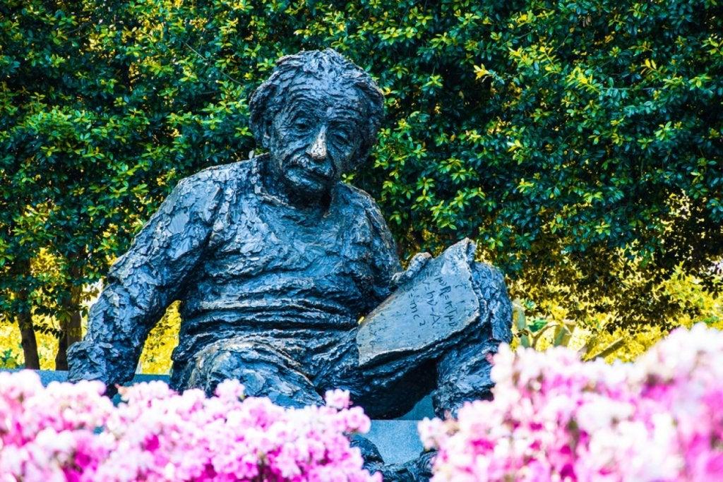 33 grandes citas de Albert Einstein que te harán reflexionar