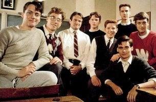 Actores de la película qeu hizo famoso el carpe diem