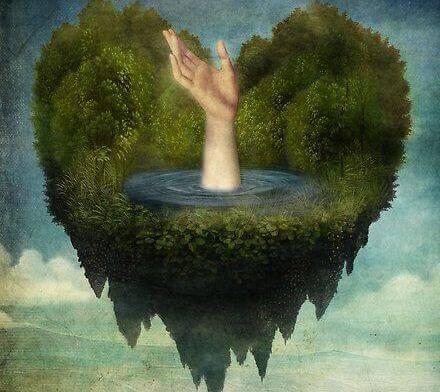 Corazón con mano recordando un aborto