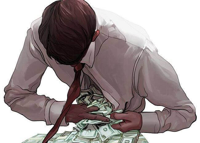 Hombre con dinero en su camisa