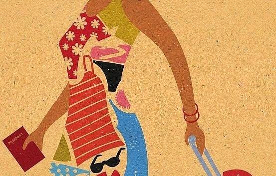 mujer con pasaporte en la mano