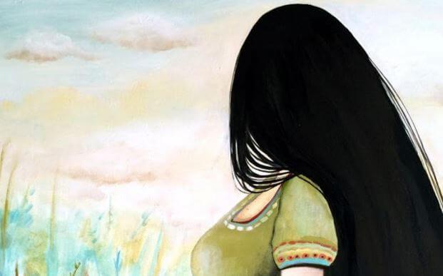 Mujer mirando hacia otro lado