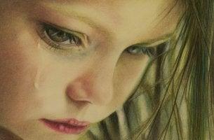 Dibujo de una niña llorando