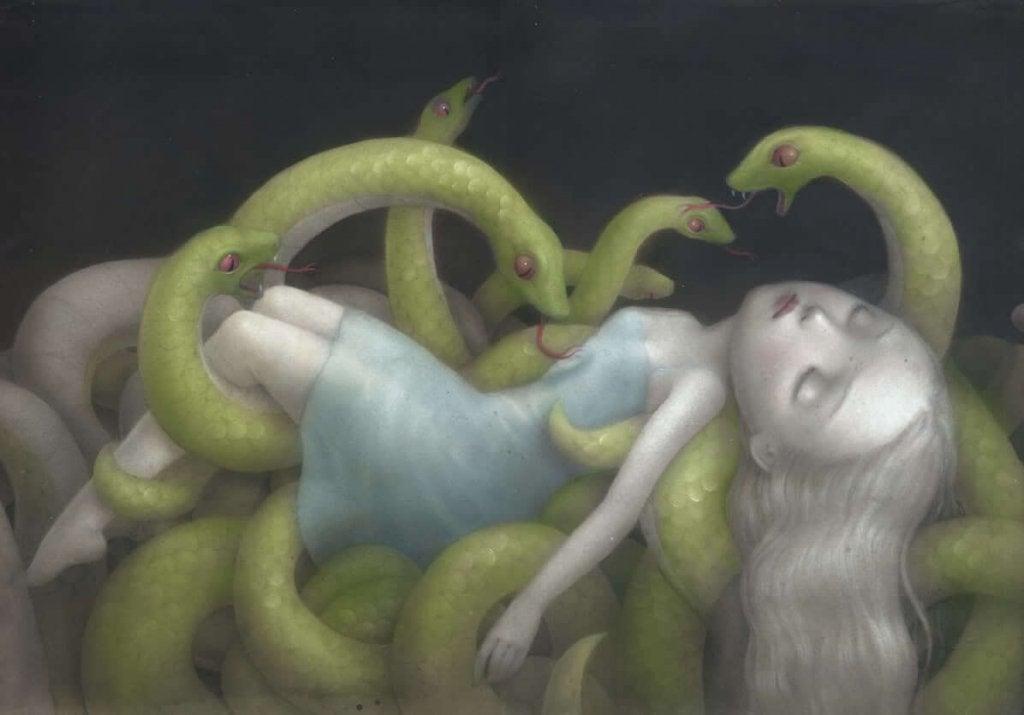 Niña entre serpientes
