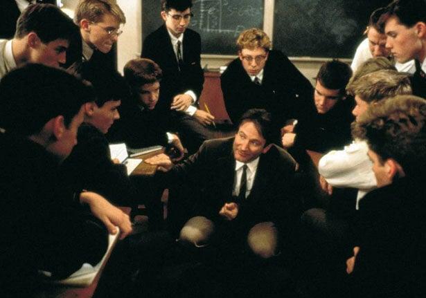Profesor enseñando el Carpe Diem