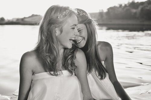 Qué bien le quedan a la vida las personas que saben sonreír