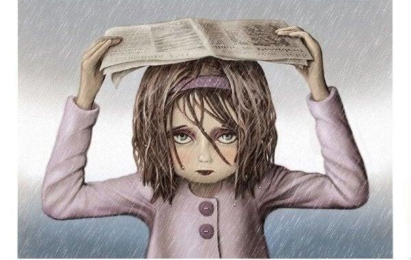 chica protegiéndose de la lluvia