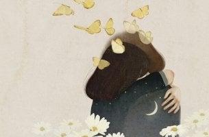joven fundida en un abrazo con mariposas en la cabeza