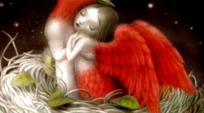 mujer con alas rojas abrazada
