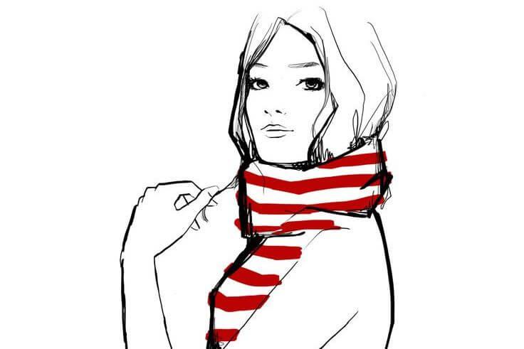 mujer con bufanda roja disfrutando de su forma de ser