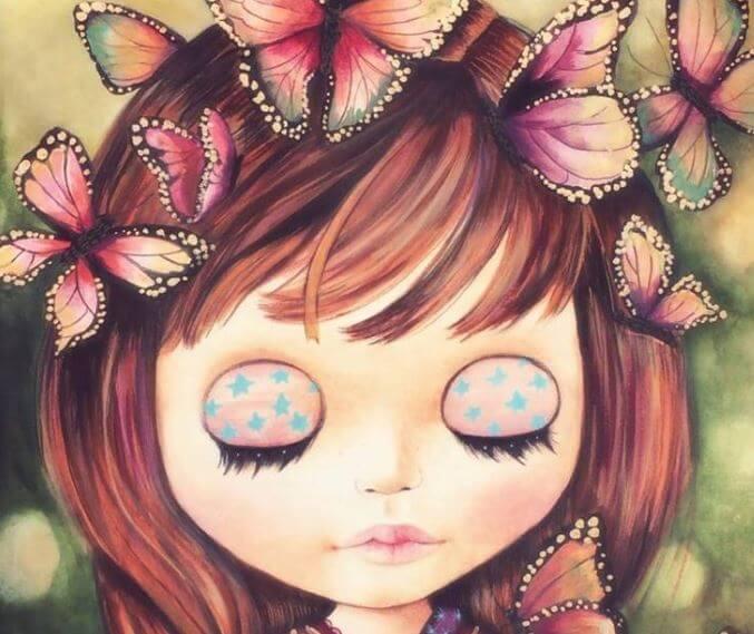 Niña con mariposas alrededor y los ojos cerados