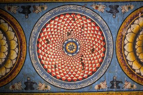 Mandala en la pared de un templo