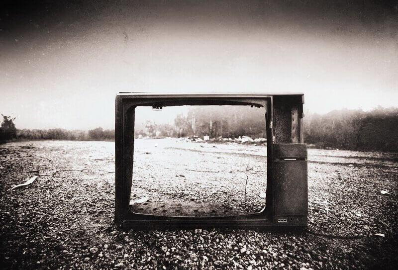 Tele con pantalla rota