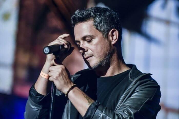 Alejandro Sanz detiene su concierto para proteger a una mujer maltratada