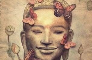Buda sonriendo con humildad
