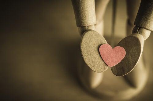 Qué difícil es decir hola cuando quieres decir te amo