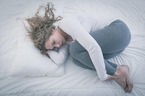 ¿Qué caracteriza a la depresión adolescente?