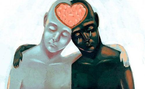 Dos personas unidas por su cerebro en forma de corazón
