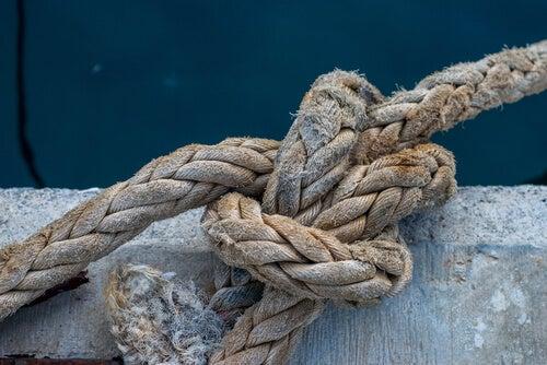 Nudo en una cuerda