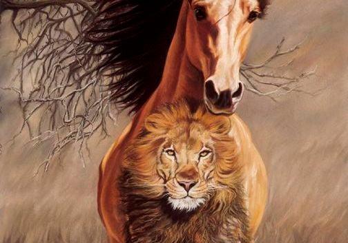 caballo con león tatuado corriendo para ser paciente
