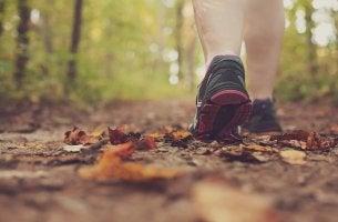 Caminar con deportivas